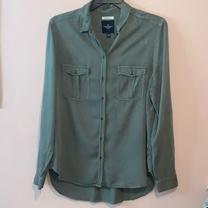 American Eagle Army Green Boyfriend Fit Button Up